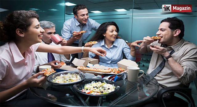 Toplantılarda İki Orta Boy Pizza Kuralı