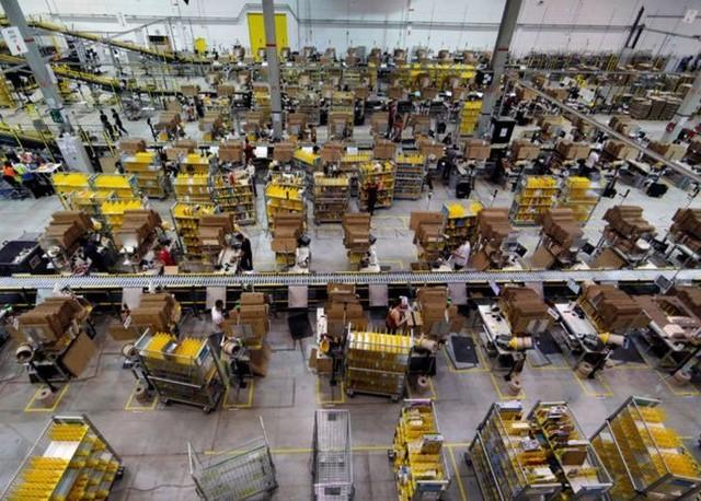 Amazon'dan 350 Bin Çalışanı İçin Eşit Asgari Ücret Kararı