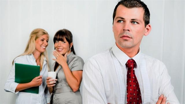 Patronunuzun Dedikodusunu Heryerde Yapmayın