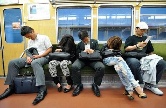 Japonya'da Çalışanlara Uyku Molası