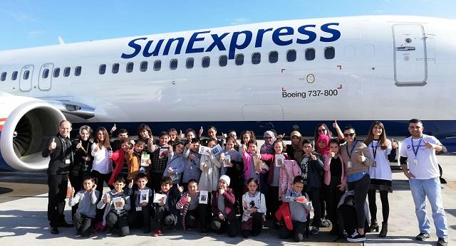 SunExpress'ten Öğrencilere Hediye
