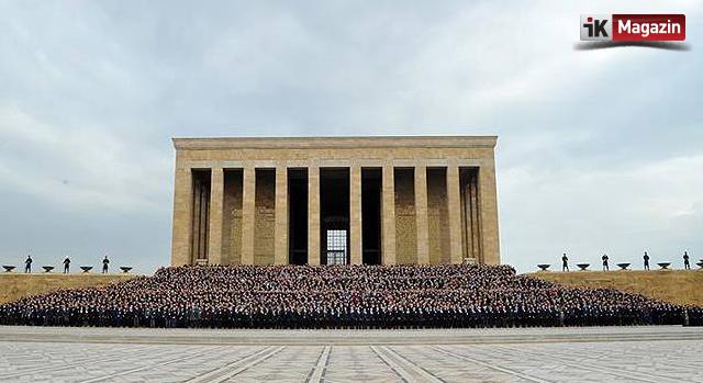 Aselsan 5 Bin Çalışanıyla Anıtkabir`i Ziyaret Etti
