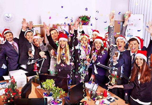 İş yerinde Yılbaşı Kutlaması Nasıl Yapılır?