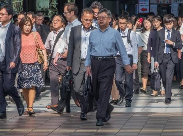 Japonya'da Aşırı Çalışmaya Bağlı Ölümler Başladı