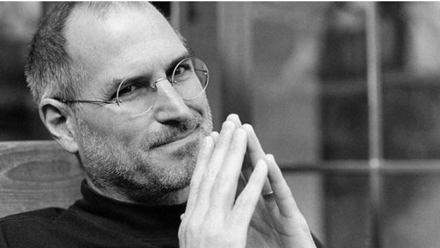 Steve Jobs'un Kartviziti Açık Artırmayla Satıldı