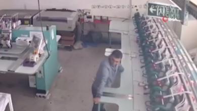 Photo of Herkes Depremden Kaçarken O Makineleri Tutmaya Çalıştı